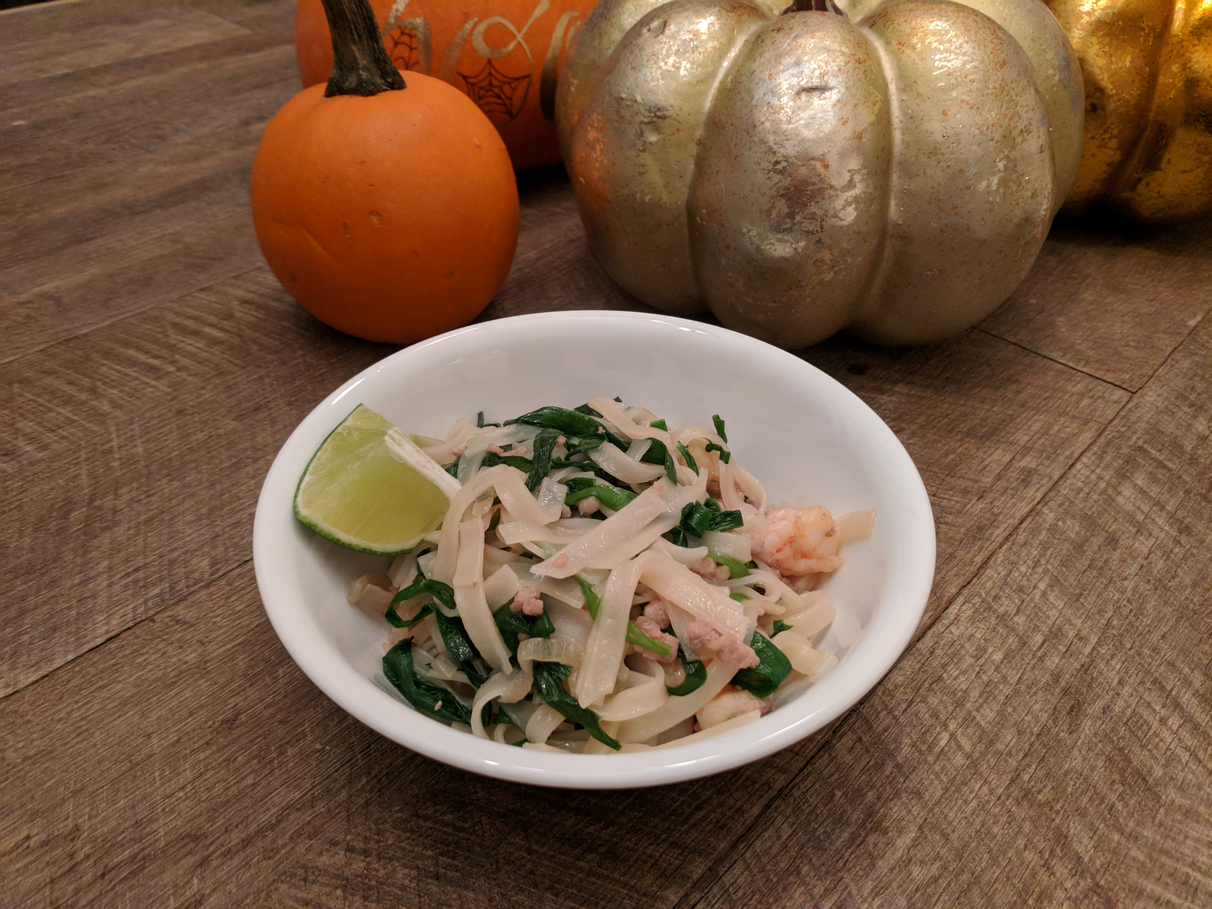 Bánh Phở Xào Tôm Thịt Hẹ Rice Noodles with Chinese Chives, Shrimp and Pork